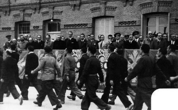 Desfile de presos en la cárcel de Yeserías