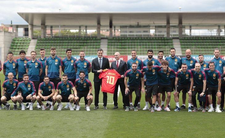 El presidente posó con los integrantes de la selección
