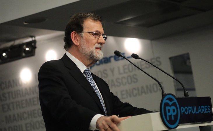 Soraya inició una ronda de contactos en plena dimisión de Rajoy