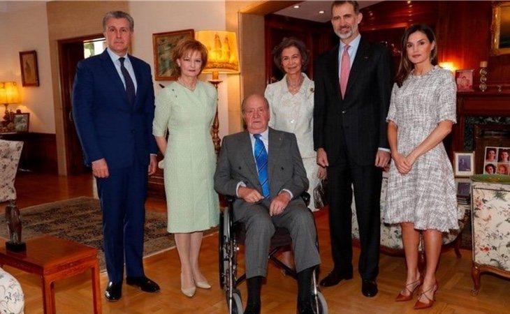 Juan Carlos I junto con los príncipes de Rumanía, Margarita y Radu, los reyes, Felipe VI y Letizia y la reina emérita Sofía