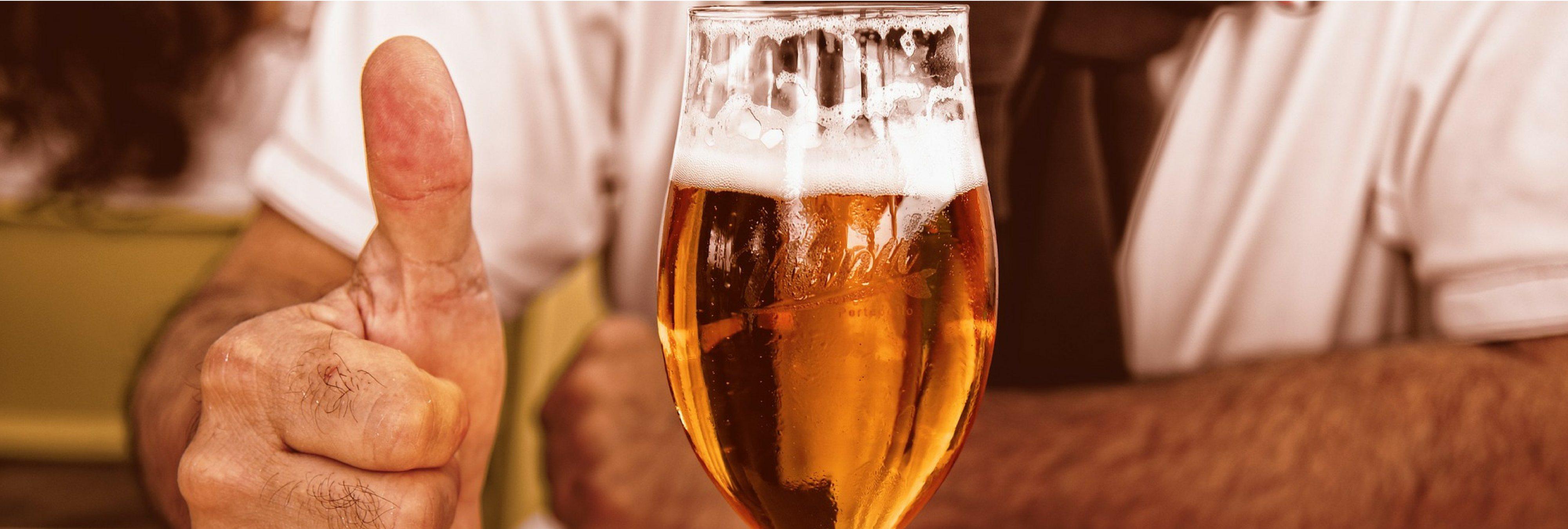 Una cerveza diaria tras salir del trabajo alarga la vida y rejuvenece, según la ciencia