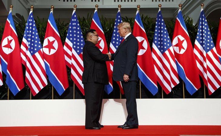El apretón de manos que certifica un cambio en la política mundial