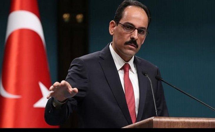 El portavoz del Ejecutivo turco, Ibrahim Kalin, ha calificado la medida como racista y populista