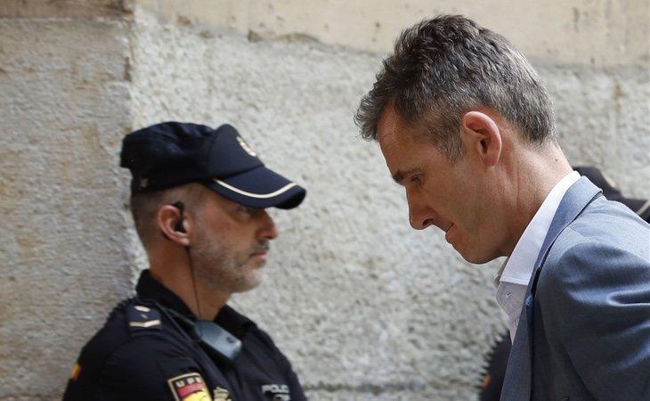 La condena de Iñaki Urdangarín deja tocada a la Casa Real