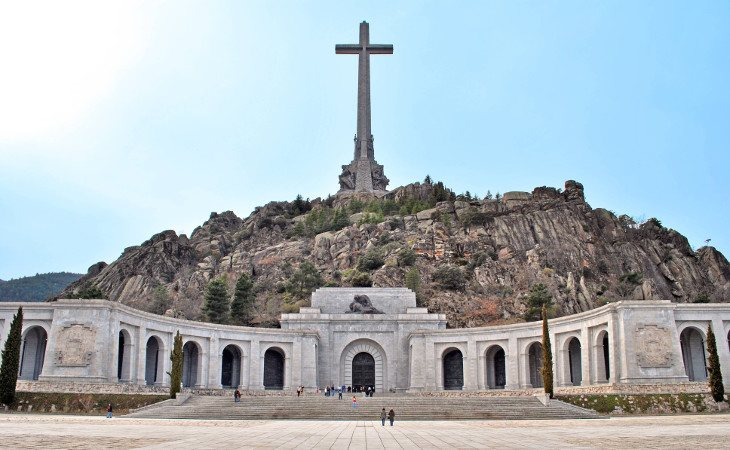 Los restos de Franco serían sacados del Valle de los Caídos