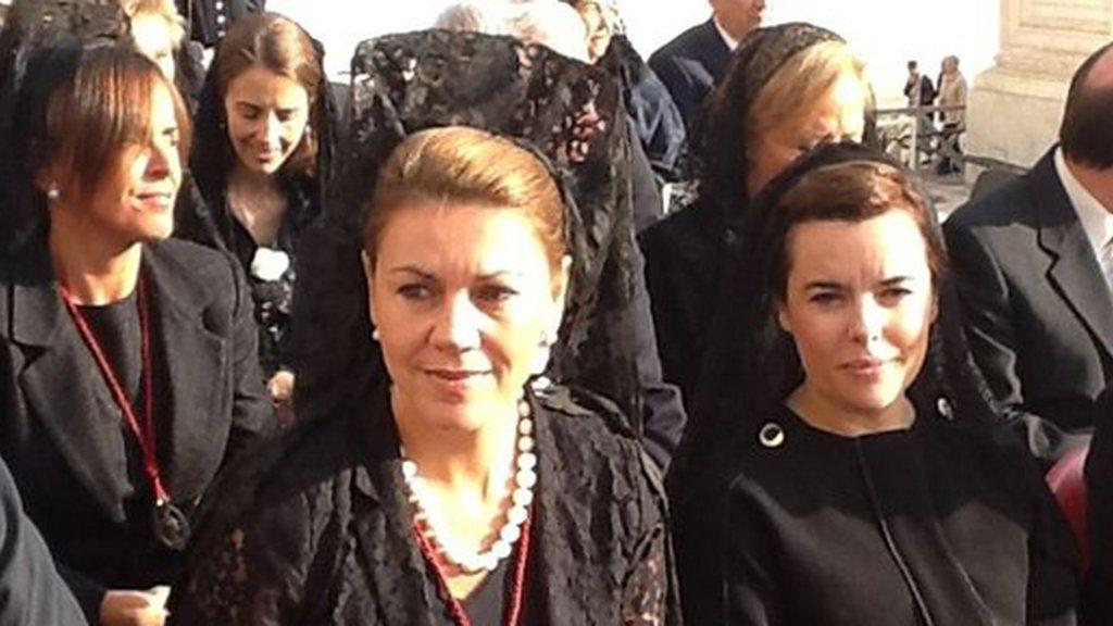 Las mujeres tenemos que ponernos la mantilla para ser cabezas de turco de los ataques a la ideología conservadora