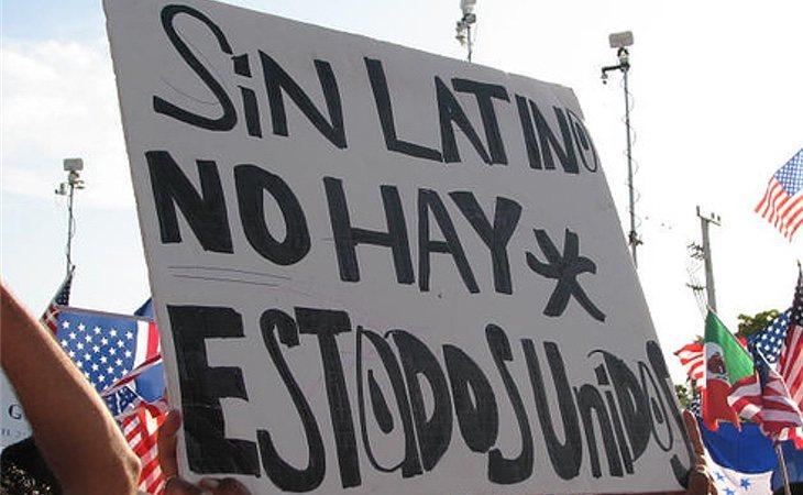 Manifestación en Estados Unidos a favor del uso del español en el país