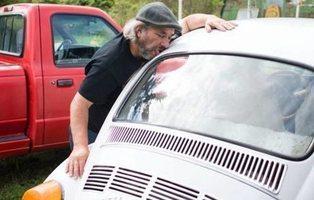 """Un hombre mantiene relaciones con su coche porque es """"mecanófilo"""""""