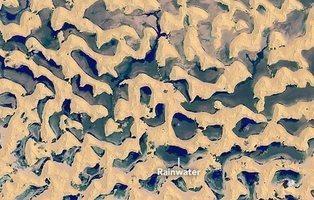 Los insólitos lagos gigantes formados en el desierto de Arabia y su explicación científica