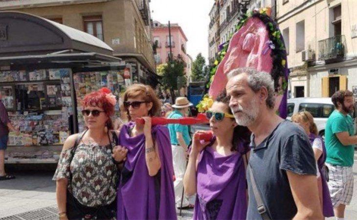 Toledo participó en la procesión del Santísimo Coño Insumiso en Madrid