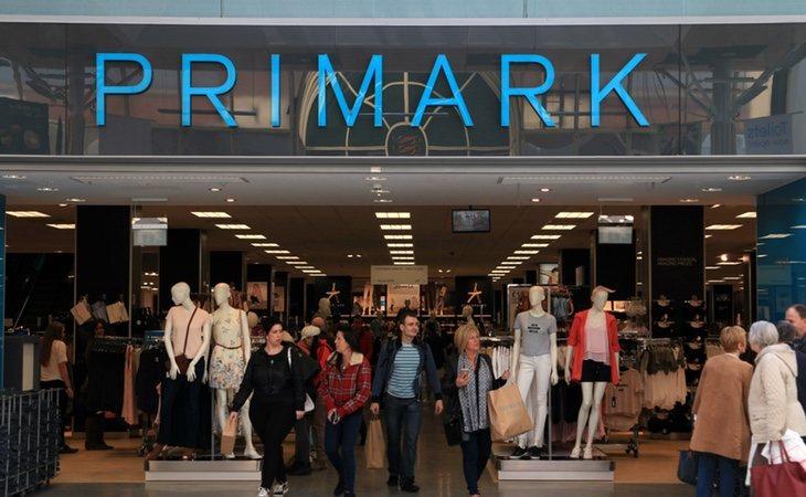Tiendas como Primark generan graves consecuencias medioambientales con su política de ventas