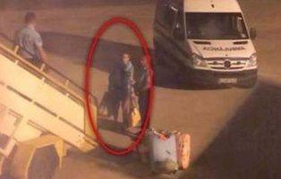 Muere el pasajero ruso expulsado de un avión de Gran Canaria por su extremo mal olor
