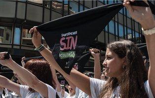 Activistas animalistas llenan las calles de Pamplona por unos Sanfermines sin encierros