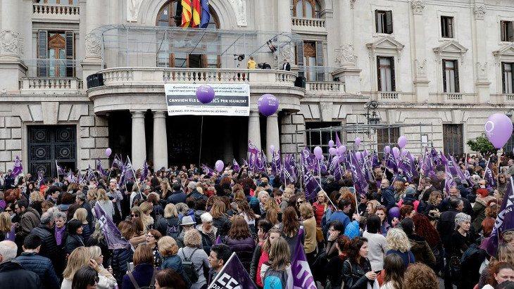 Las organizaciones feministas luchan por cambiar la ley