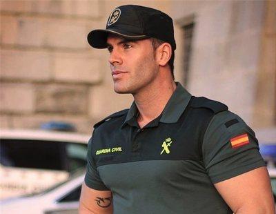 La Guardia Civil comparte una foto de uno de sus agentes y se lía en Twitter