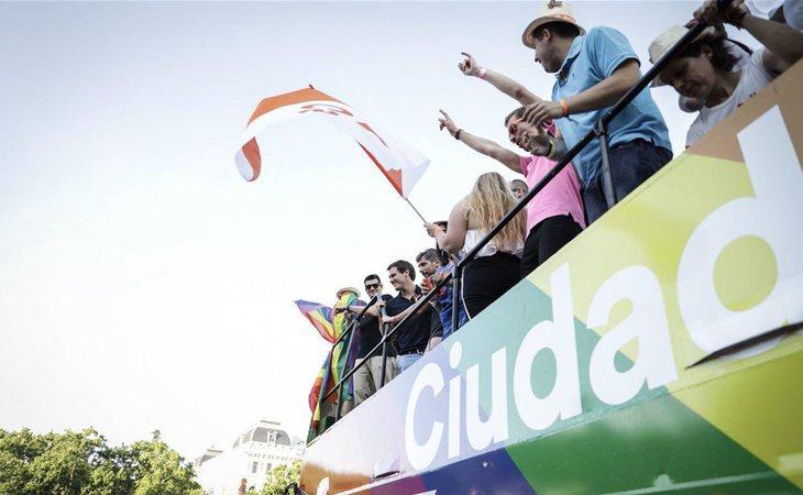 La carroza de Ciudadanos fue recibida con abucheos en el Orgullo LGTB de Madrid