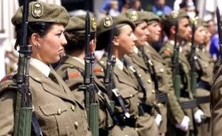 La normativa del ministerio ampara a esta madre militar aunque se le niegue su solicitud