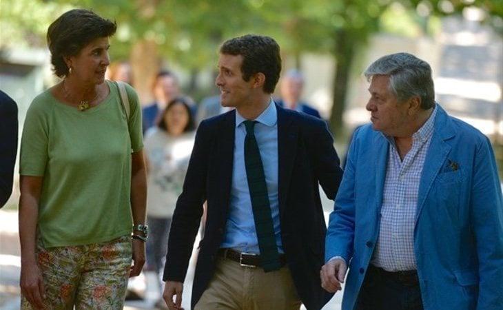Casado ha recuperado a algunos históricos del partido como María San Gil