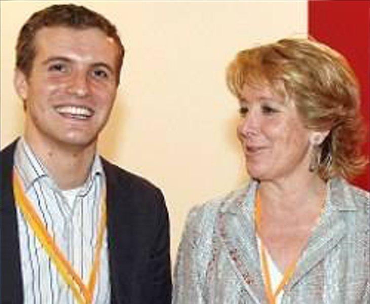 Pablo Casado comenzó a mostrar sus posturas en cuanto llegó a la política de la mano de Esperanza Aguirre