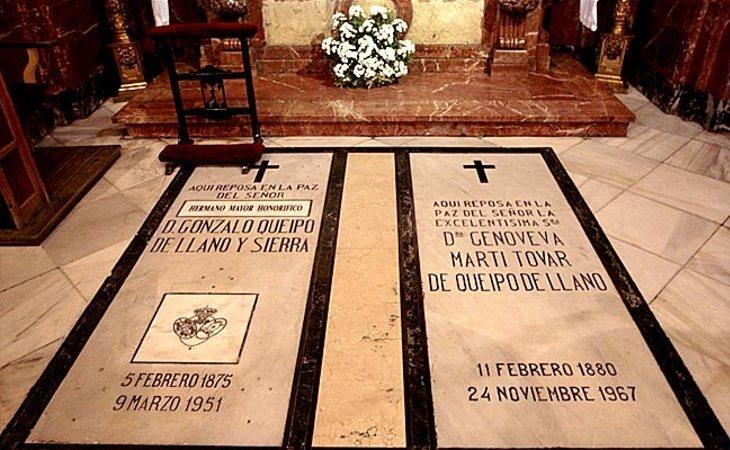 La tumba de Queipo de Llano y su esposa