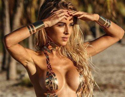 La nueva moda en las playas: bikinis hechos con cinta adhesiva