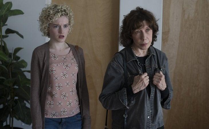 Julia Garner y Lily Tomlin en 'Grandma'