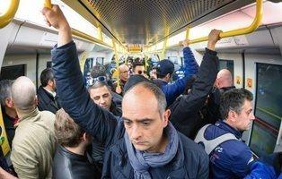 Reparten desodorantes gratuitos para combatir el mal olor en el metro de Viena