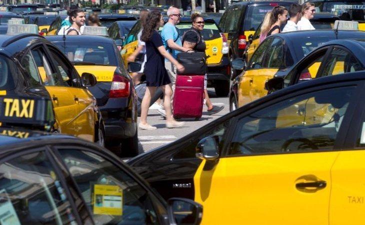 El sector del taxi no ha sabido adaptarse al modelo de las multinacionales Uber y Cabify