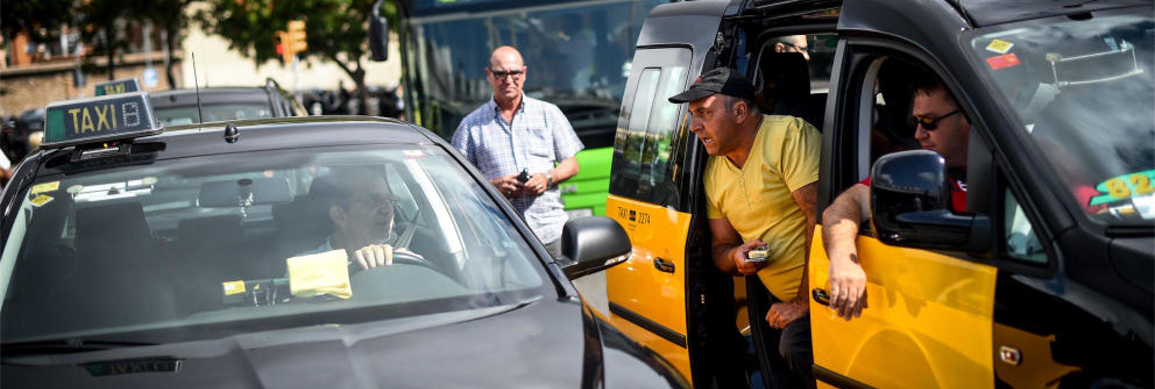 Huelga de taxistas frente a Cabify y Uber: ¿Quién tiene la razón?