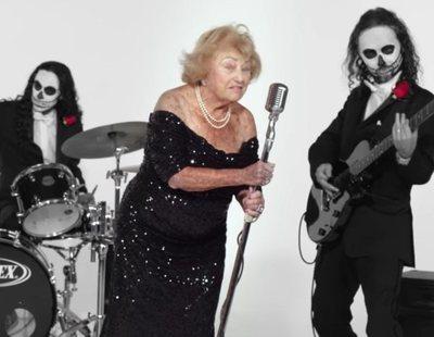 Sobrevivió al holocausto y ahora es una estrella del heavy metal a los 96 años