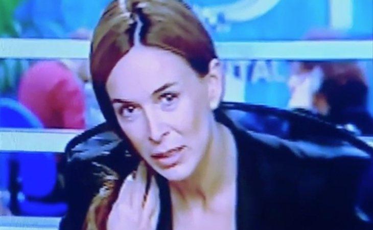 Natalia Nadal dando la noticia de la detención de su marido:
