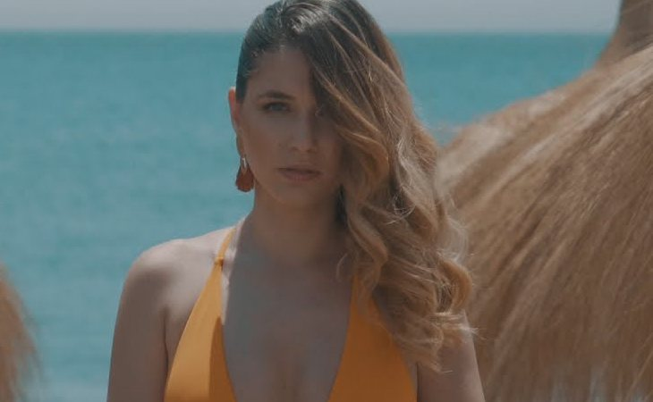 Mireya en el videoclip de 'Corazón vendío'