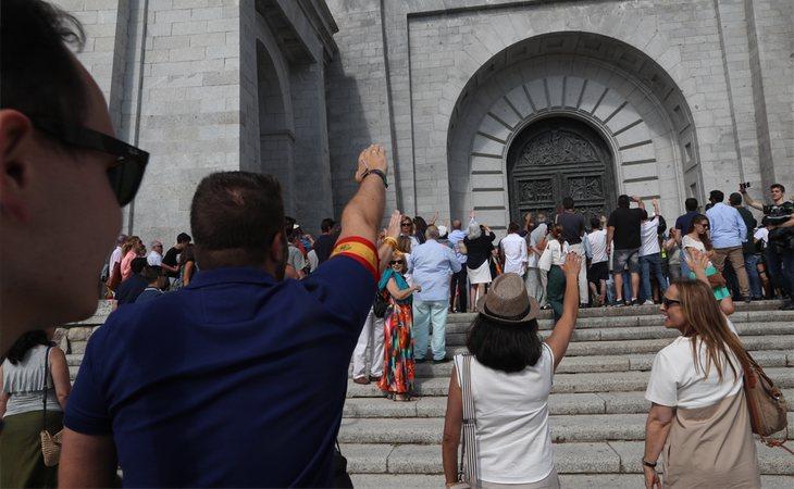 Fascistas congregados en el Valle de los Caídos