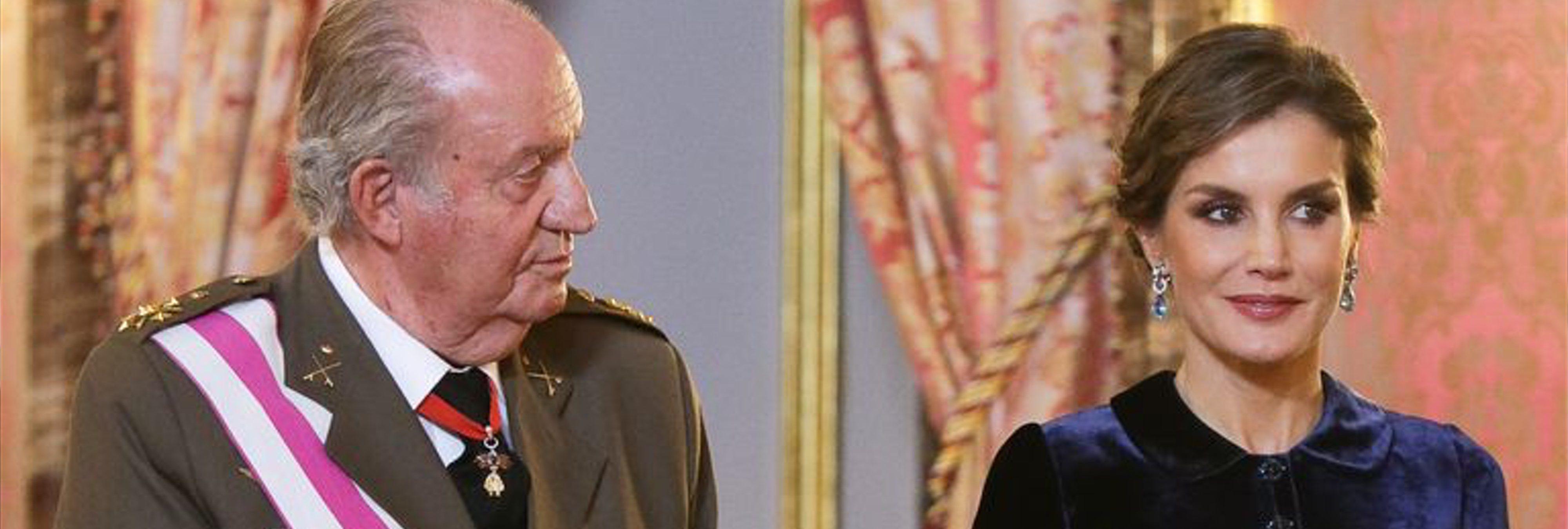 Casa Real castiga a Letizia mientras premia a Juan Carlos