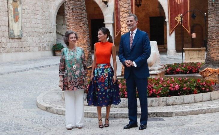 La Familia Real se ha dejado fotografiar, en este caso, en el Palacio de la Almudaina