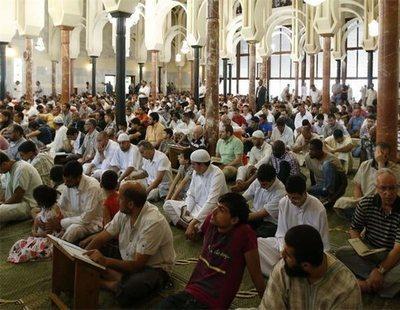 """La comunidad musulmana y el gobierno de Marruecos: """"España debe tutelar las mezquitas"""""""