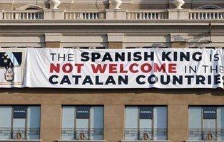 Despliegan una pancarta contra el rey a pocas horas del homenaje a las víctimas del 17A