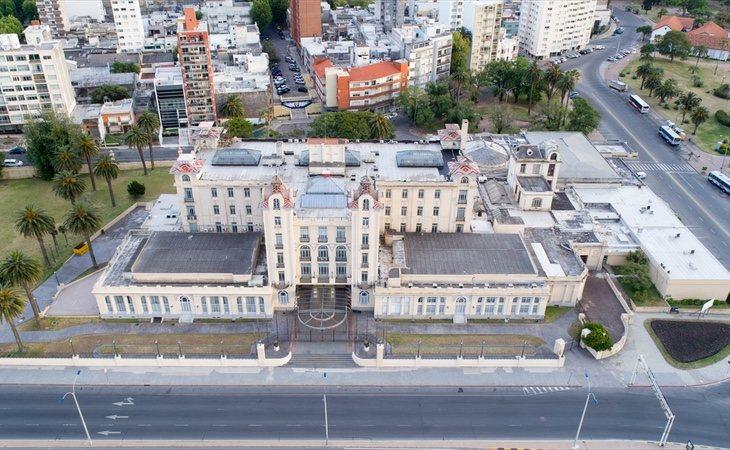 Algunas alianzas como Mercosur se encuentran en peligro   En imagen, su sede de Montevideo, Uruguay. Imagen de Fedaro