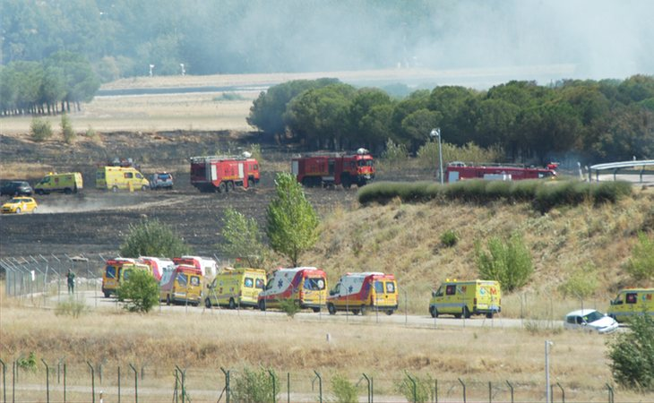 Los servicios de emergencia en el lugar del accidente en 2008