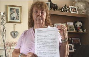 """La británica que cargó contra los españoles en Benidorm: """"Me llaman racista, pero no es verdad"""""""