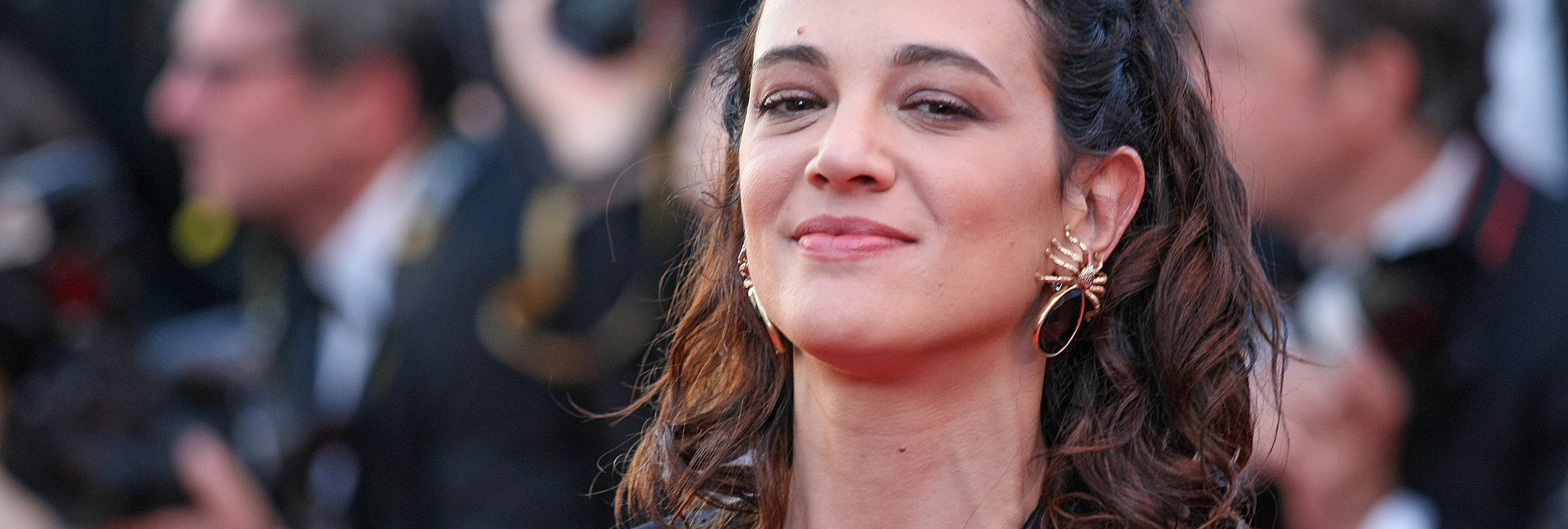 Asia Argento, pionera en el movimiento #MeToo, acusada de abuso sexual a un menor