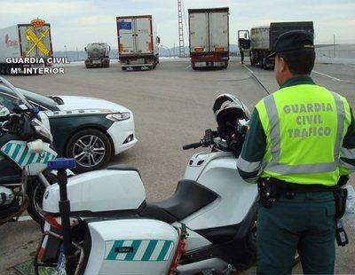 Estos son los 676 coches camuflados que la DGT colocará por España y que podrían multarte
