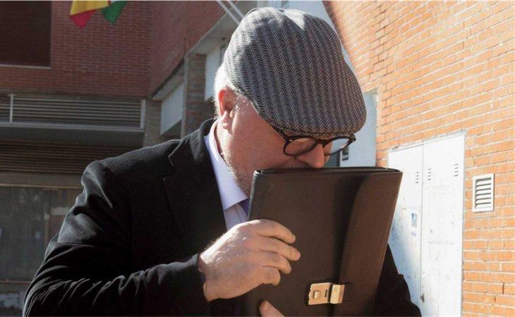 Comisario Villarejo después de salir de los juzgados