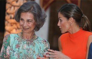 La idílica vida de la Reina Sofía: desayunos en el mar, restaurantes de lujo y tardes de compras