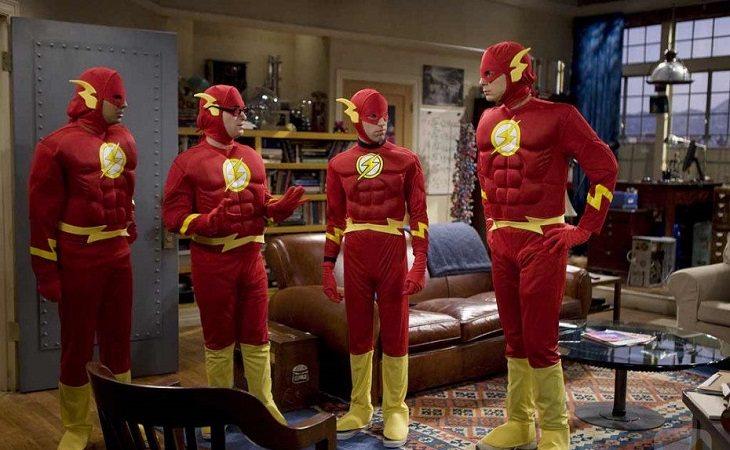 Los protagonistas de 'The Big Bang Theory' disfrazados de Flash