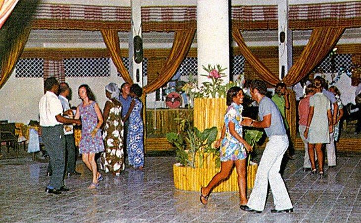 La discoteca del hotel era el punto de reunión entre locales y extranjeros