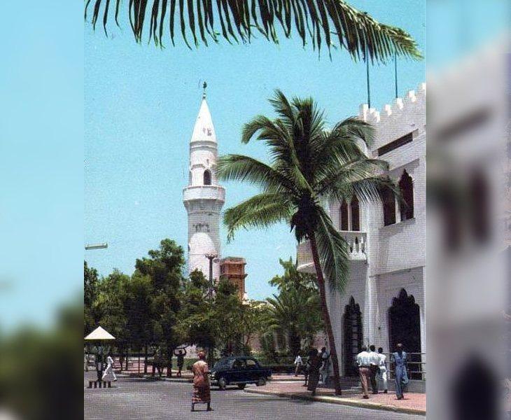 La capital incluía grandes calles adornadas con palmeras