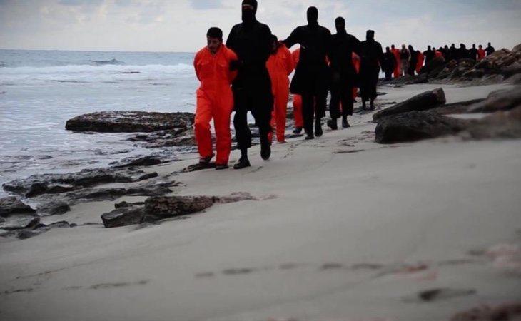 El grupo terrorista empleó las playas como escenario de ejecuciones públicas