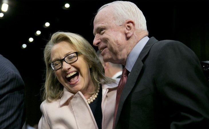 McCain asimiló su derrota de una forma muy distinta a la excandidata demócrata