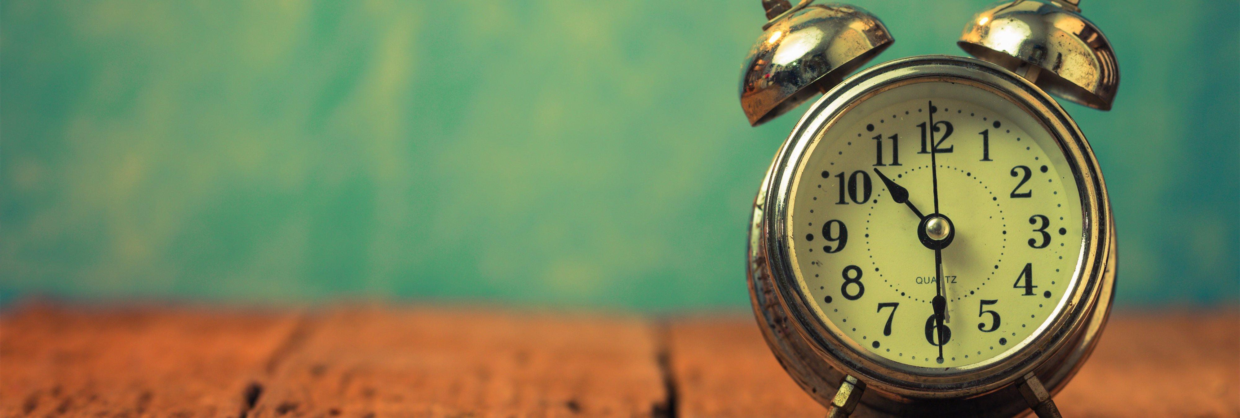 ¿Por qué nos beneficia mantener el horario de verano durante todo el año?